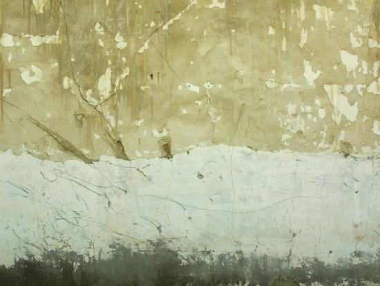 close-up-of-weathered-and-rundown-cement-wall
