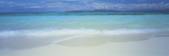 clouds-over-an-ocean-great-barrier-reef-queensland-australia