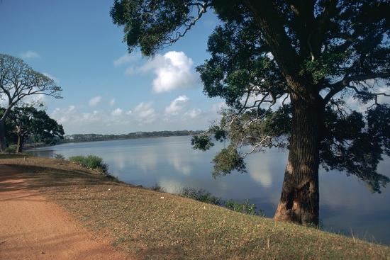 cm-dixon-nuwara-wewa-an-artificial-lake-in-anuradhapura-2nd-century