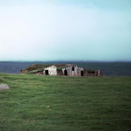 cm-dixon-old-viking-style-icelandic-turf-farm