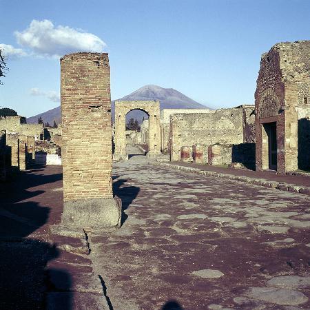 cm-dixon-road-leading-to-arch-of-caligula-with-vesuvius-beyond-pompeii-italy