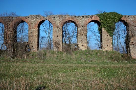 cm-dixon-roman-aqueduct-4th-century-bc