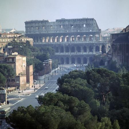 cm-dixon-view-of-the-colosseum-from-the-victor-emmanuel-ii-monument-1st-century