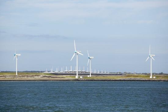 colin-cuthbert-wind-turbines-netherlands