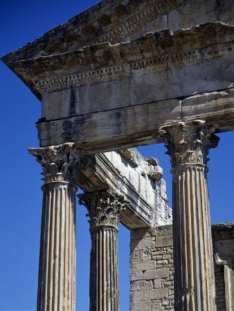 columns-with-corinthian-capitals-of-capitol-dedicated-in-166-ad-ruins-of-thugga-or-dougga