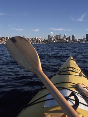 connie-ricca-kayaking-on-lake-union-seattle-washington-usa