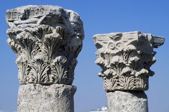 corinthian-capitals-in-forum-of-amman-ad-detail