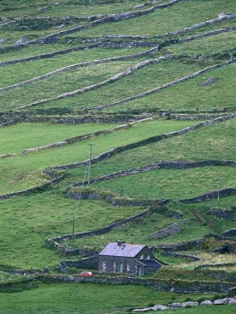 cottage-and-farm-at-garraun-point