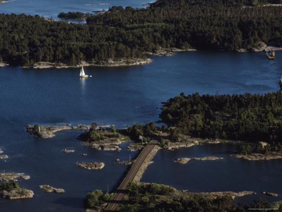 cotton-coulson-aerial-view-of-a-yacht-sailing-in-the-aland-islands-finland