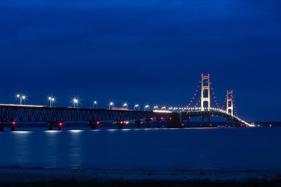cristalsimon-mackinac-bridge-at-night