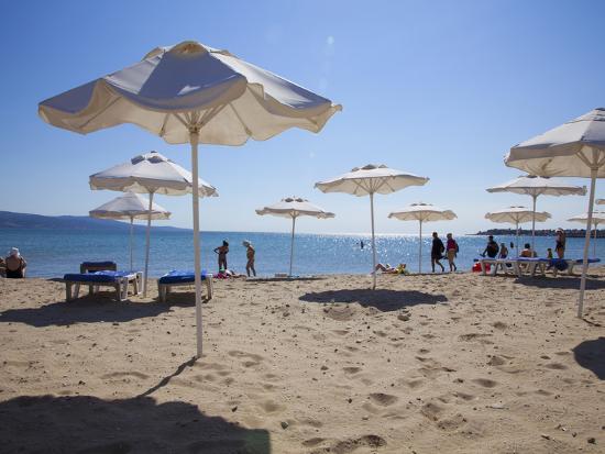 dallas-john-heaton-people-enjoying-the-beach-and-sunshades-south-sunny-beach-black-sea-coast-bulgaria-europe