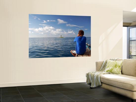 damian-turski-photographer-taking-a-picture-of-isla-de-una-coco