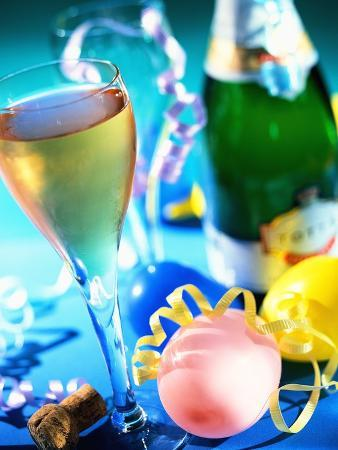 danilo-calilung-new-year-s-party-with-champagne