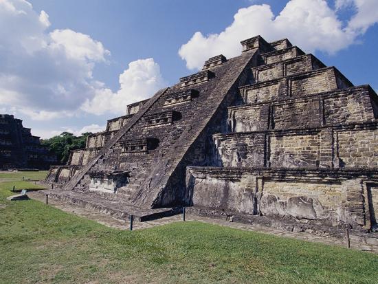 danny-lehman-step-pyramid-at-el-tajin-archaeological-site
