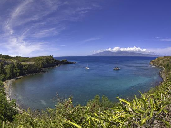 david-fleetham-sailboats-and-snorkelers-in-honolua-bay-maui