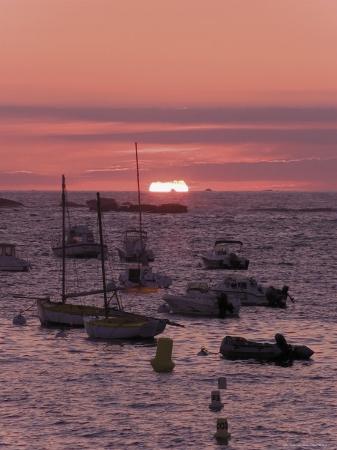 david-hughes-sunset-over-boats-moored-at-sea-tregastel-cote-de-granit-rose-cotes-d-armor-brittany-france