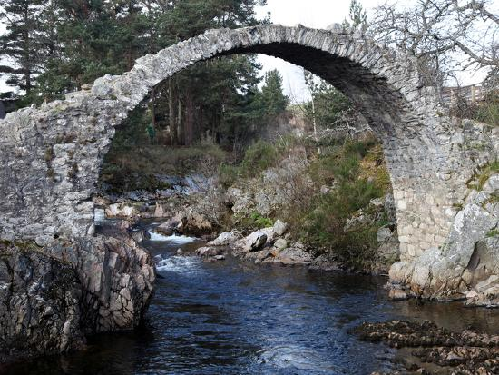 david-lomax-old-packhorse-bridge-near-forres-morayshire-scotland-united-kingdom-europe