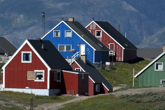 david-noyes-the-colorful-cottages-of-the-town-narsaq-greenland