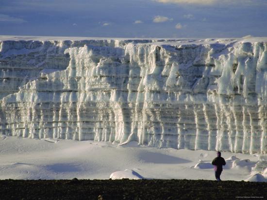 david-poole-glacier-and-trekker-from-summit-at-uhuru-peak-kilimanjaro-national-park-tanzania-africa