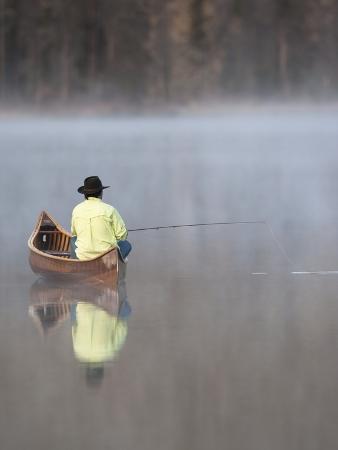 david-r-stoecklein-man-fishing