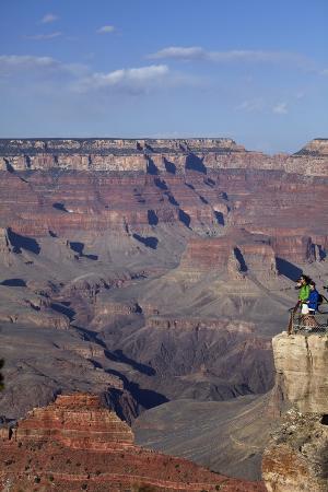 david-wall-arizona-grand-canyon-national-park-grand-canyon-and-tourists-at-mather-point