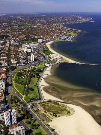 david-wall-catani-gardens-port-phillip-bay-melbourne-victoria-australia