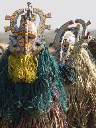 de-mann-jean-pierre-bobo-masks-during-festivities-sikasso-mali-africa