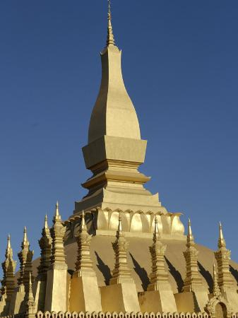 de-mann-jean-pierre-that-luang-stupa-largest-in-laos-built-1566-by-king-setthathirat-vientiane-laos-southeast-asia