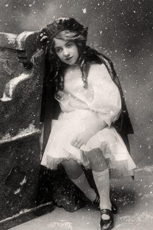 decima-brooke-in-little-red-riding-hood-1907