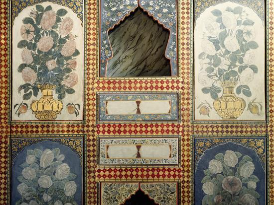 decorated-panel-on-one-wall-of-murad-iii-s-dining-room-topkapi-palace-historic-areas-of-istanbul