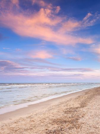 denbelitsky-beautiful-summer-sunset-at-the-sea