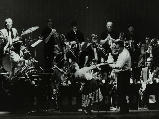 denis-williams-swing-machine-in-concert-at-the-forum-theatre-hatfield-hertfordshire-18-february-1986