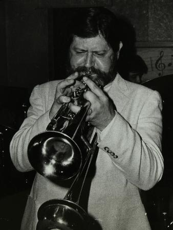 denis-williams-trumpeter-bobby-shew-performing-at-the-bell-codicote-hertfordshire-19-may-1985