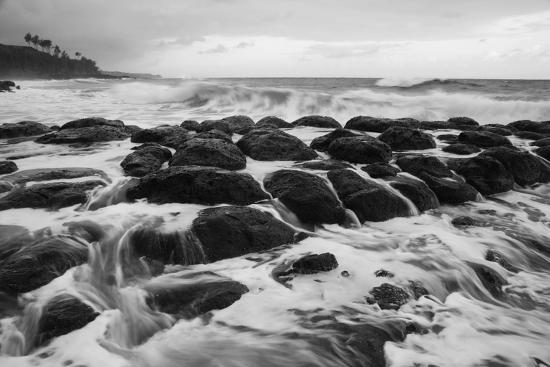 dennis-flaherty-usa-hawaii-kauai-rocky-beach