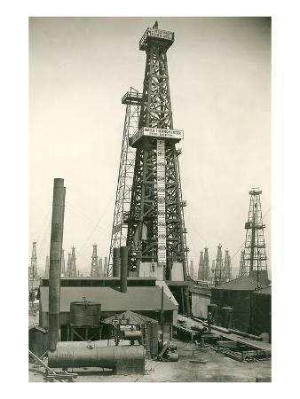 derrick-and-oil-field