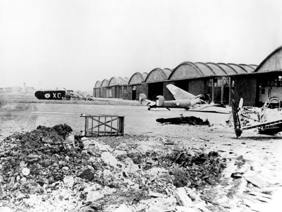 destroyed-aircraft-at-le-bourget-airfield-german-occupied-paris-july-1940