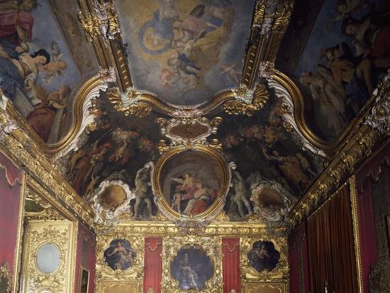 detail-of-ceiling-and-decoration-of-royal-widow-s-room-palazzo-madama