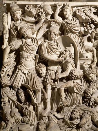 detail-of-grande-ludovisi-sarcophagus-depicting-battle-between-romans-and-dacians