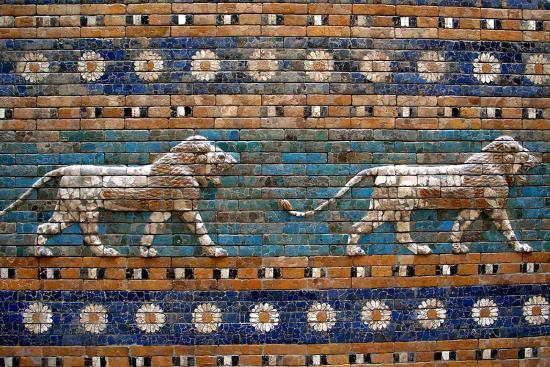detail-of-lions-on-ishtar-gate-at-pergamon-museum
