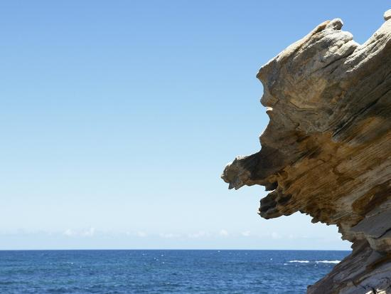 detail-view-of-rocks-jutting-out-into-the-ocean