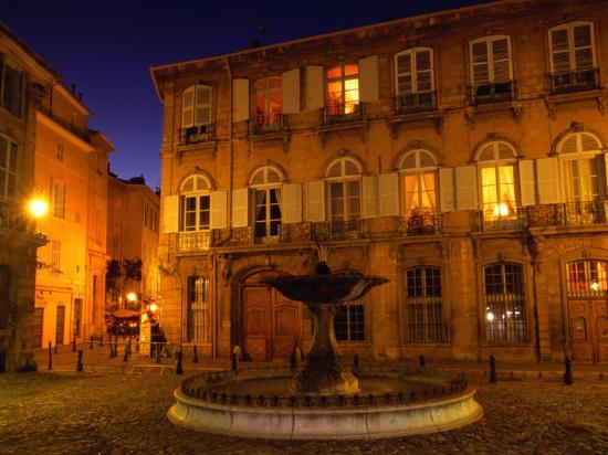 diana-mayfield-renaissance-facades-and-fountain-in-place-d-alberetas-at-night-aix-en-provence-france