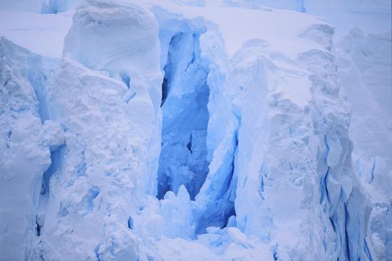 dlillc-broken-iceberg
