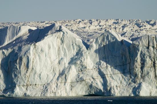dlillc-face-of-glacier-entering-the-sea