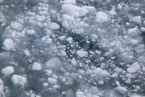 dlillc-sea-ice-broken-up-by-a-ship