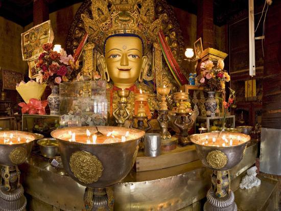 don-smith-panorama-of-tibetan-buddhist-chapel-at-drepung-monastery-lhasa-tibet-china