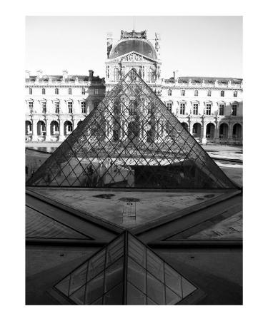 donna-corless-aligned-pyramids-at-the-louvre