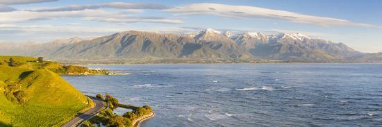 doug-pearson-elevated-view-over-dramatic-coastal-landscape-kaikoura-south-island-new-zealand