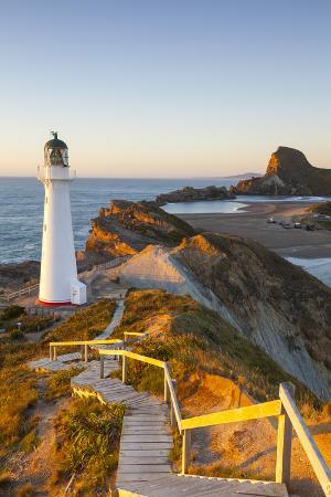 doug-pearson-lighthouse-at-castlepoint-wairarapa-north-island-new-zealand