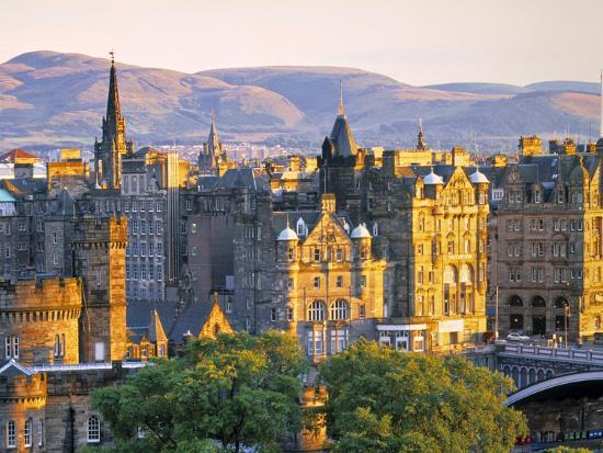 doug-pearson-skyline-of-edinburgh-scotland