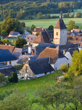 doug-pearson-village-d-aucun-hautes-pyrenees-france